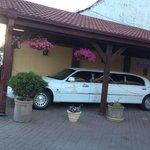 Una bonita limousine a la entrada