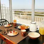 Photo de The Crusader Oceanfront Family Resort