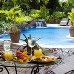 Enjoy breakfast and swimming pool