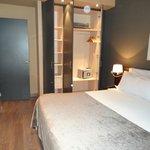 Apt 2.4 king bedroom