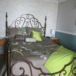 Chambre au rez-de-chaussée, douillette et spacieuse