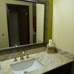 Guest room sink vanity