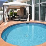 1 BED SUITE POOL