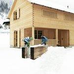 CASALPIN Chalets - Im Winter beim Brunnen- Haus B