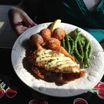 Sole filets with garlic aioli, fried risotto balls, and garlic green beans