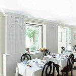 The brakfast room / La salle de petits déjeuners