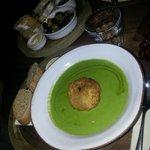 Leek soup with bread