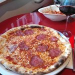 salami pizza & Amarone wine