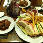 Club Sandwich and Wings - YUM
