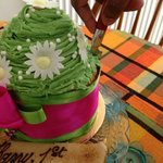 1kg Custom made cupcake with custom made pistachio flvaoured icing