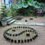 im Innenhof der Taichi-Schule