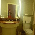 Room 908 half bath in executive suite
