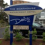 Photo de The Boathouse Waterfront Hotel