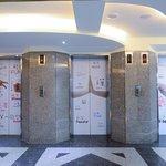 大廳電梯口