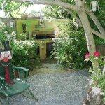 Il barbecue nel giardino di Casa Anita a disposizione degli ospiti