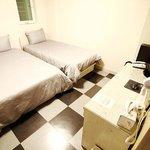 Triple Ensuit room