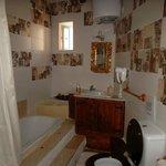 notre salle de bain dans la yellow room