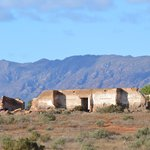 Just minutes away are some wonderful historical ruins, with the majestic Flinders Ranges as a wo