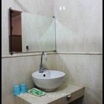 Wastafel & Perlengkapan mandi