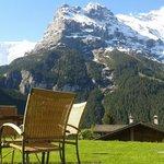 Garden with Eiger view - Sunstar Hotel Grindelwald