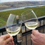 Foto de Hood River Wine Tours - Columbia Wine Tours