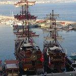 Boten in de haven van Alanya