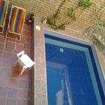 vista de la piscina desde la habitación