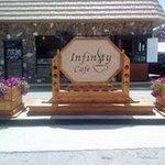 Infintiy Cafe