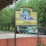 YS Falls entrance