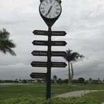 Directions to golf schools and courses.