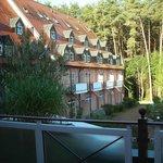 das Hotel von einer Seite