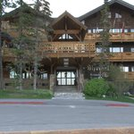 The Alpenhof main entrance