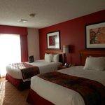 2 queen bed suite.