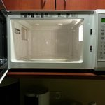 kitchenette MICROWAVE