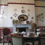breakfast saloon wall decors