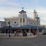 Boat House Restaurant - Front