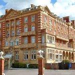 Photo of Queen's Hotel