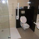 Room 75 bathroom