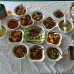 4 main dishes and other vegetable side dishes.It's 3500.ks per pax.It have good taste&decilious.