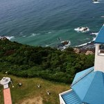 ホテルの教会と太平洋
