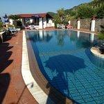 la piscina di acqua naturale