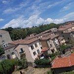 piazza garibaldi - tetti case e chiesa san domenico