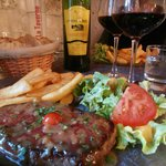 Steak, chips & salad accompanied by a Graves de Vayres