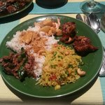 Chicken curry on rice, Prawns with chilis, Tenderloin, pineapple rice