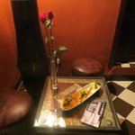 Sultan Room gifts- oranges and roses