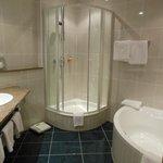 Room 008 - Bathroom
