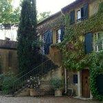 Domaine de Rhondes - front entrance