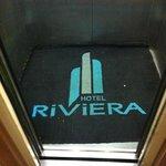 elevador imundo