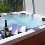 Chalet Morville Hot-Tub