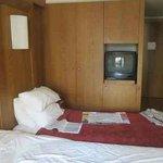 Room 207: bedroom